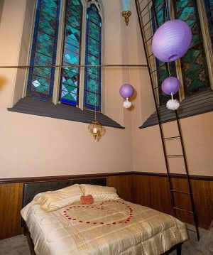Romantic Honeymoon Suite in Church Tower - Stained Glass