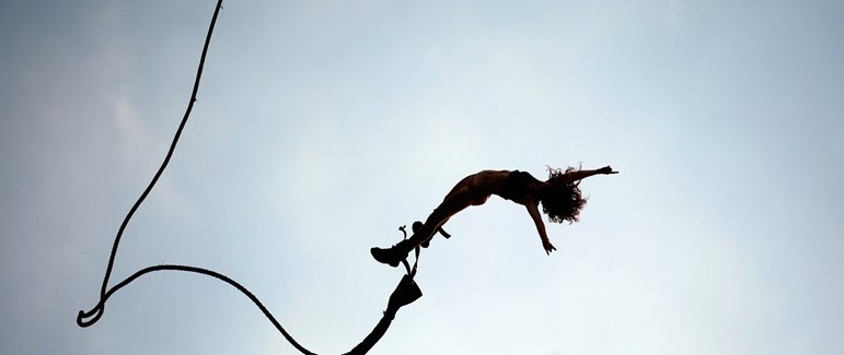 unique honeymoon ideas bungee jumping