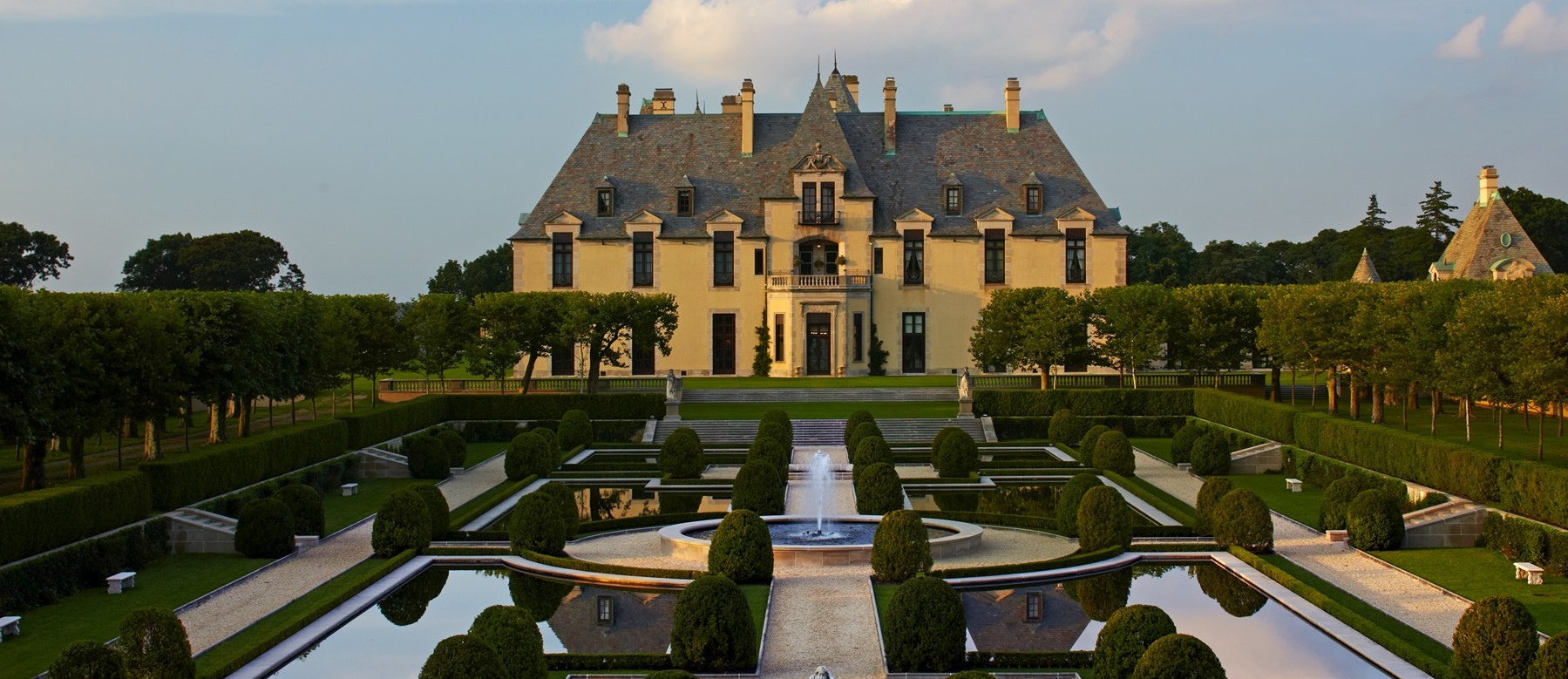 For Example An Inexpensive Midwest Wedding Venue Might Cost 5000 Plus 50 Per Guest While A At The Gorgeous Oheka Castle In Long Island